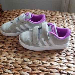 Adidas Toddler stylish sneakers size 9.5
